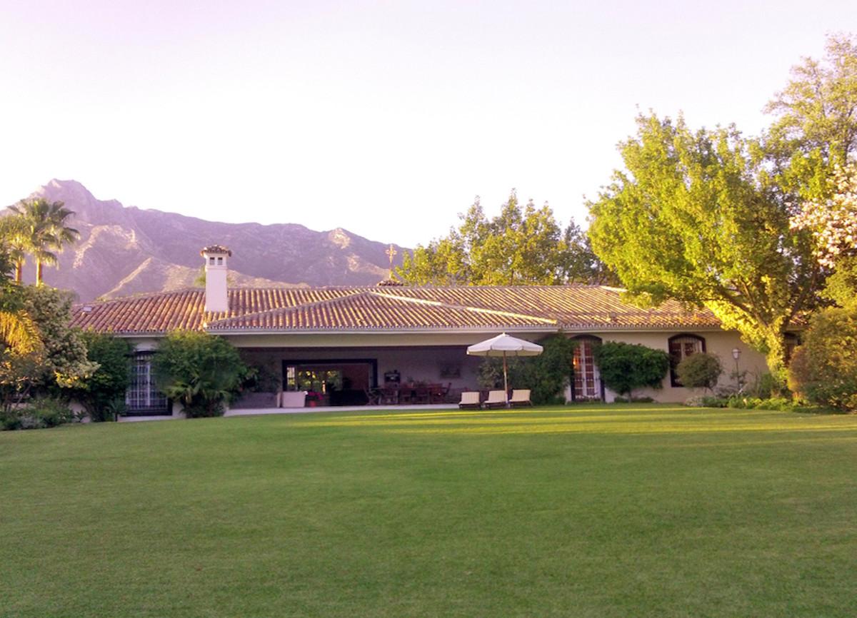 Villa 8 Dormitorios en Venta The Golden Mile