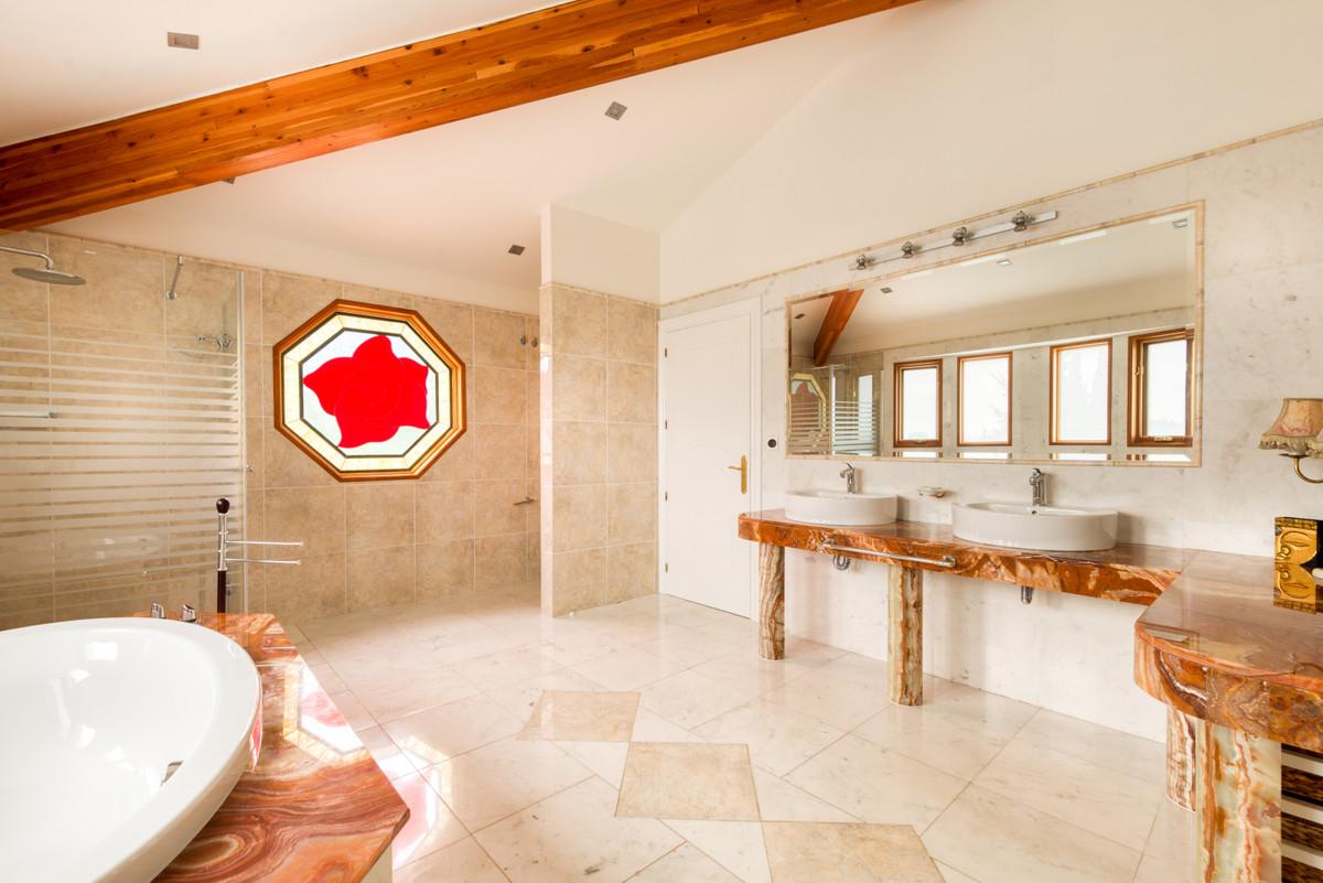 House in Benahavís R3398569 9