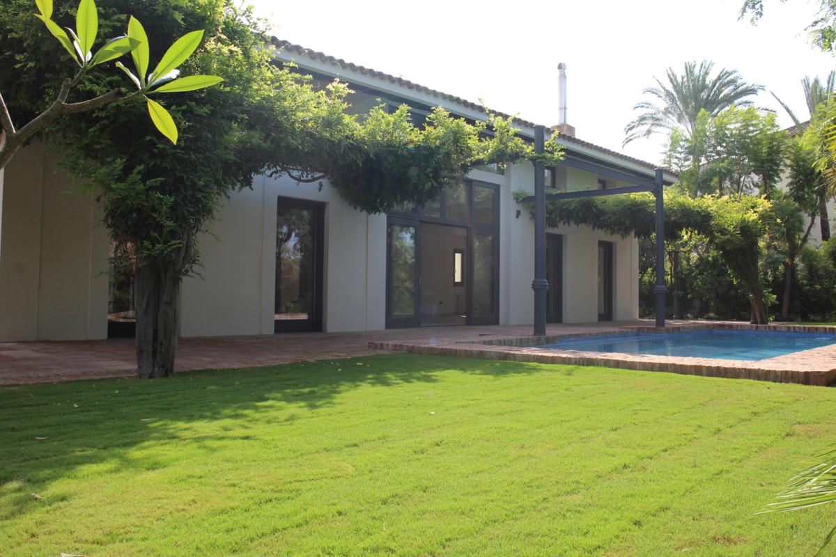 Detached Villa for sale in Guadalmina Baja R3266296