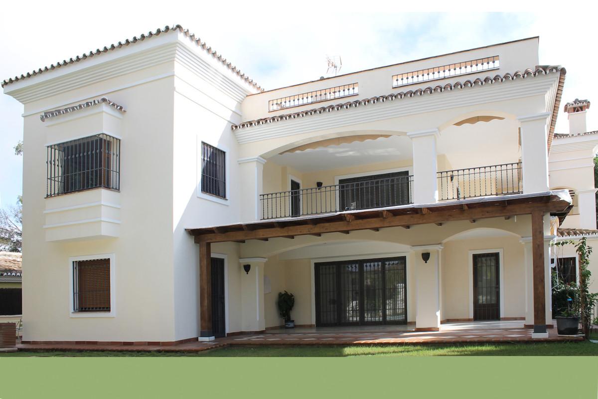 Detached Villa in El Rosario R2546813
