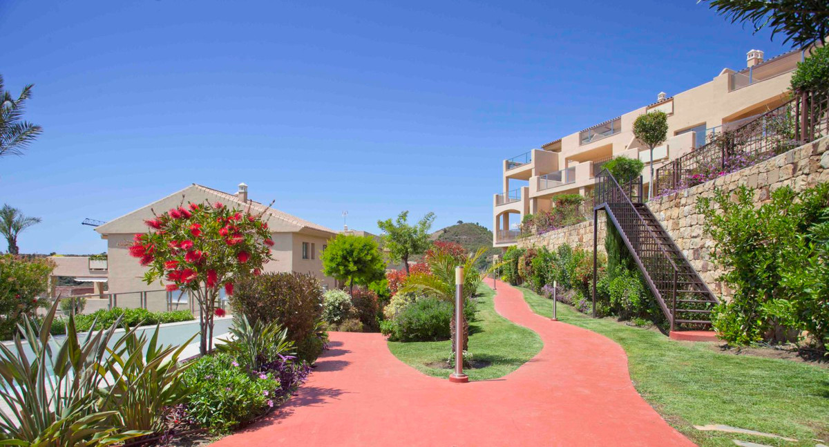 Amazing luxury apartment of 156 m2 in new constructed urbanization near the Golf Course of Estepona.,Spain