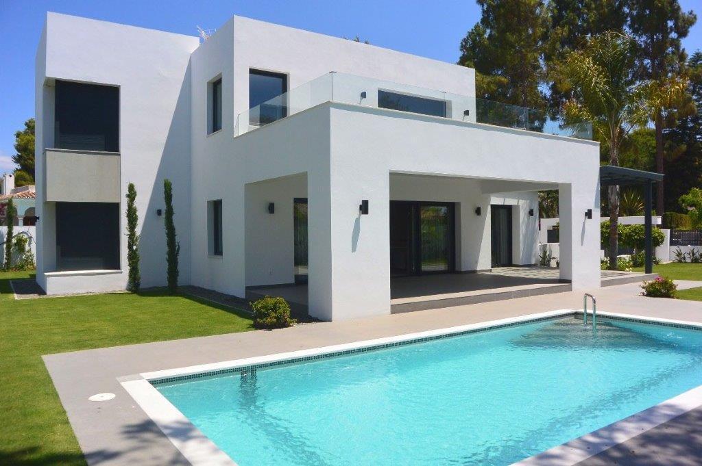 Villa 5 Dormitorios en Venta New Golden Mile