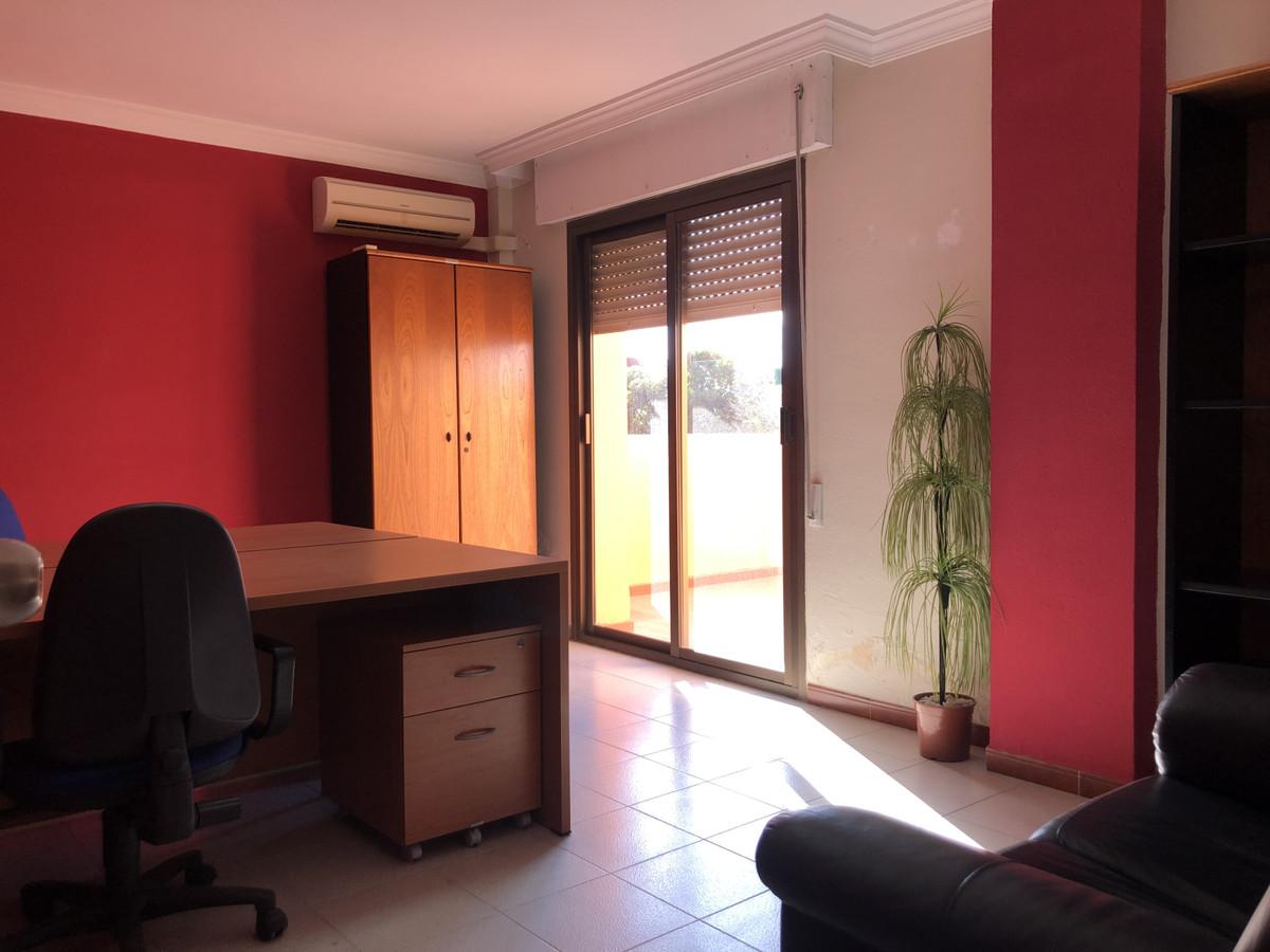 Oficina  en venta    en San Luis de Sabinillas
