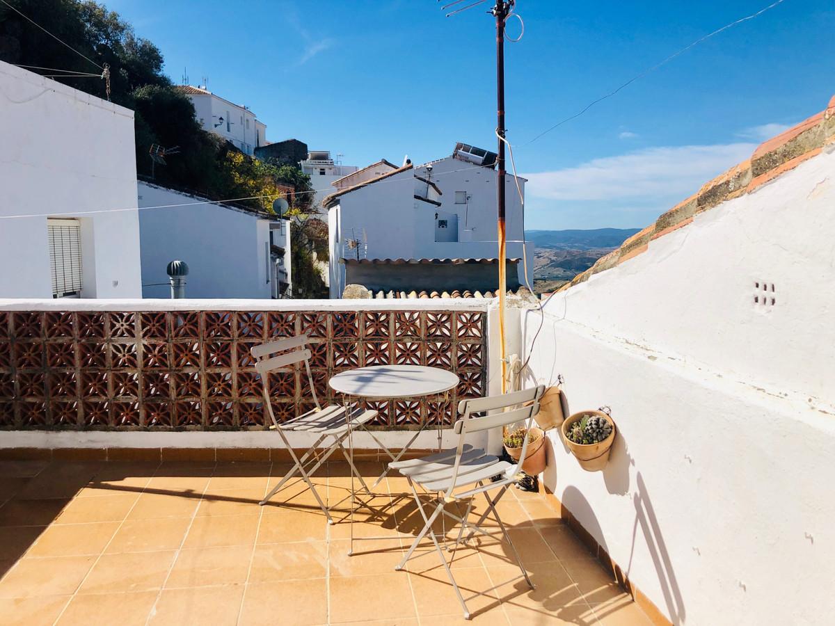 Townhouse Terraced in Casares, Costa del Sol