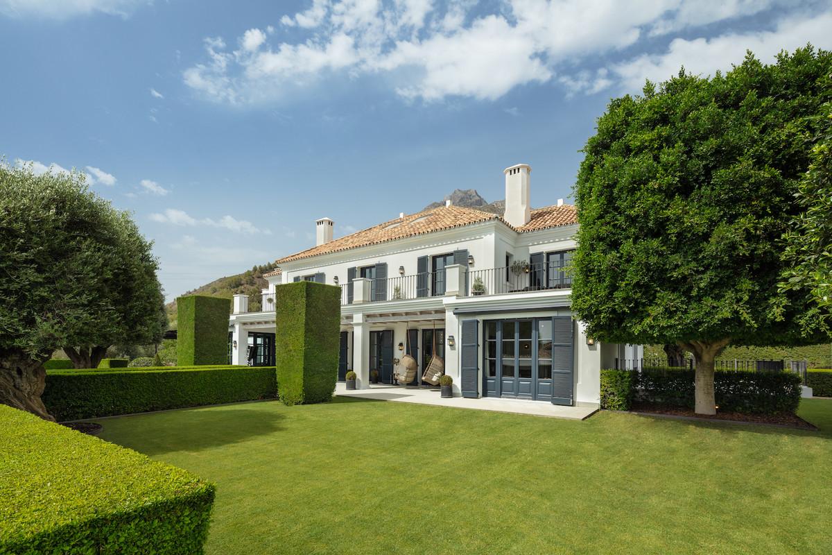 7 bedrooms Villa in The Golden Mile