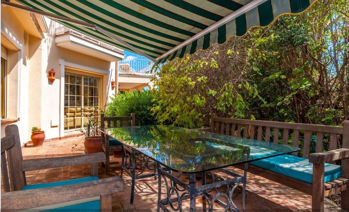 Villa te koop in San Pedro de Alcántara R3678974