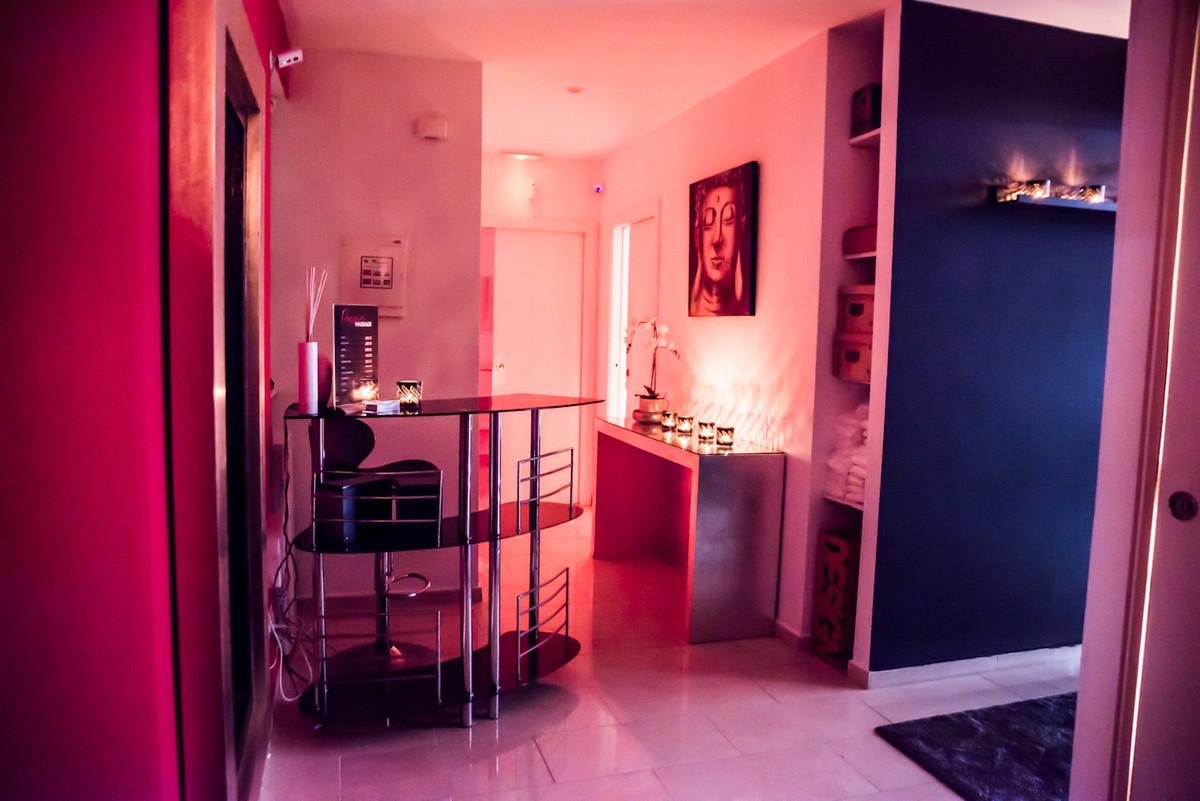4 Bedrooms - 2 Bathrooms