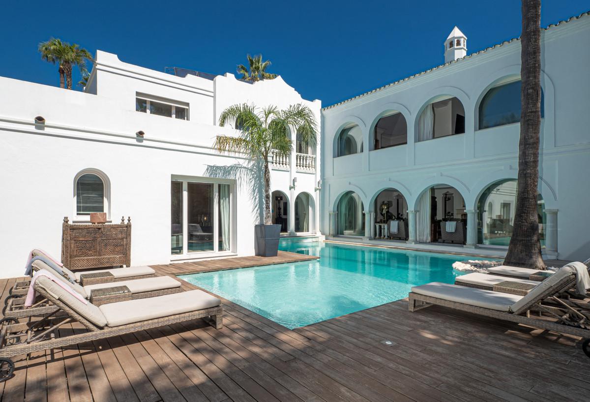 VILLA PARADISE   Detached Villa, Guadalmina Baja, Costa del Sol. 5 Bedrooms, 5 Bathrooms, Built 1337,Spain