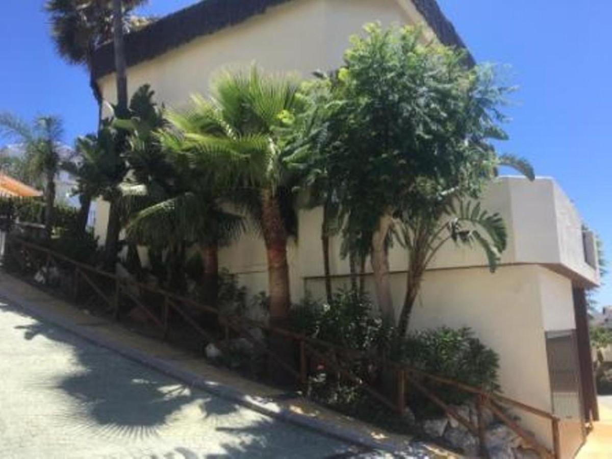 3 Bedroom Detached Villa For Sale Riviera del Sol