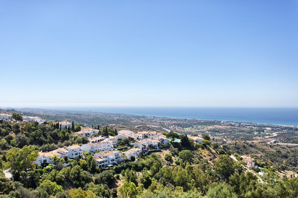 Penthouse in Altos de los Monteros