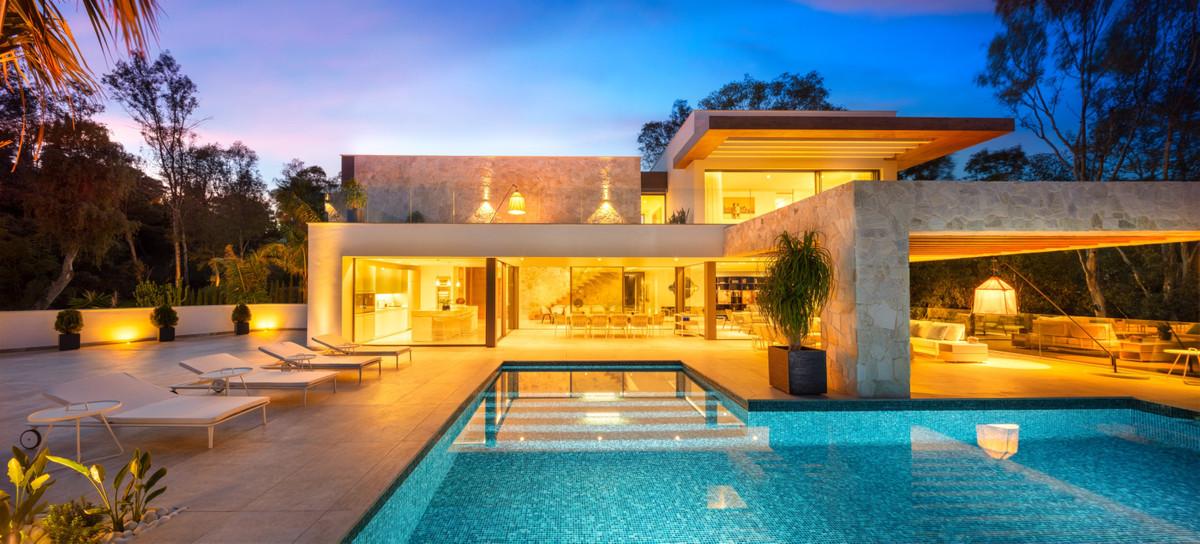 Contemporary villa, El Herro Alto, Benahavis - Marbella  The villa comes complete with 5 luxury bedr,Spain