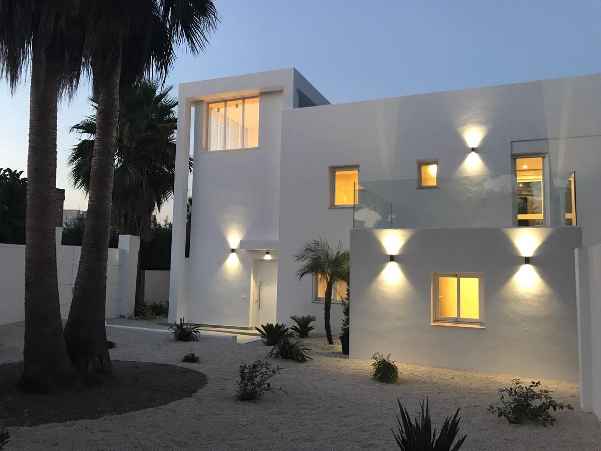 Villa, Nueva Andalucía, 1.400.000
