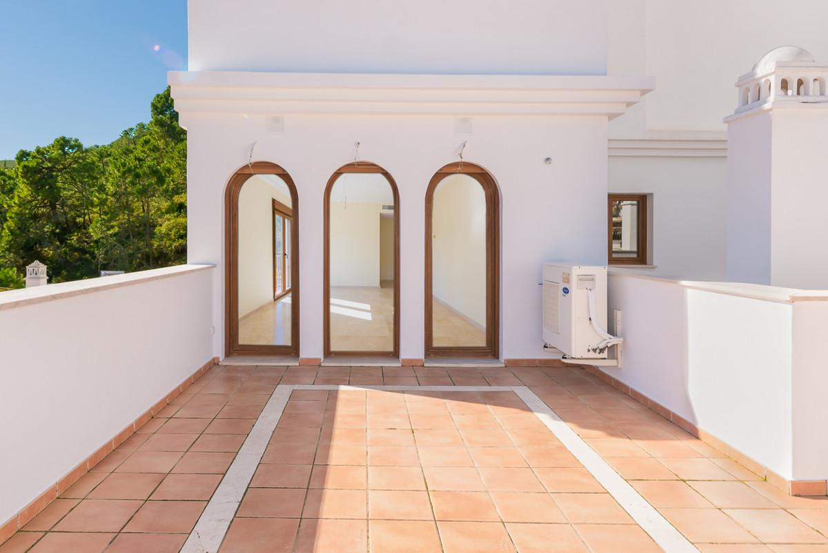 Apartment  Penthouse for sale   in Benahavís