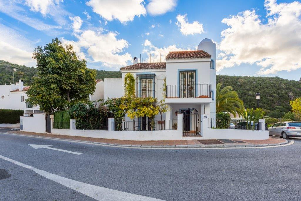 3 Bedroom Townhouse For Sale Benahavís, Costa del Sol - HP3110578