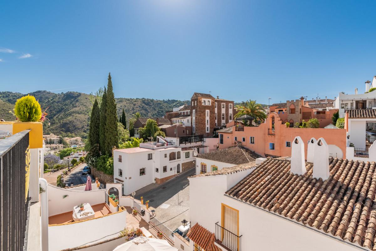 Cosy 2 bedrooms 1 bathroom in the centre of Benahavis village.  This home has been recently refurbis,Spain