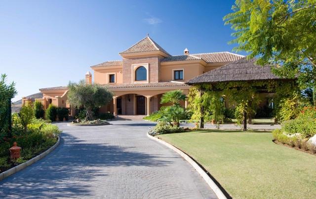 Picture of Villa For Sale in Marbella Club Golf