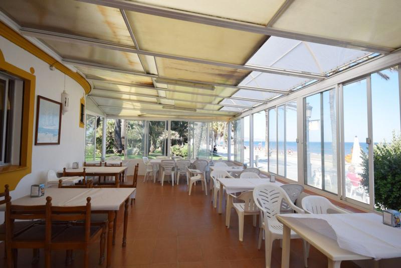 Magnificent restaurant snack bar on the beach, on the promenade of San Pedro de Alcantara, open all ,Spain