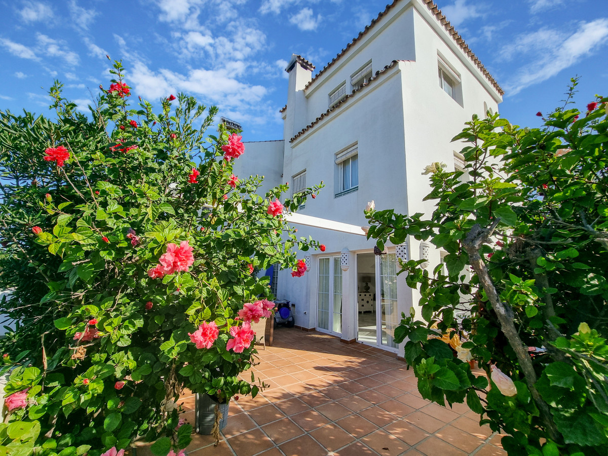 Wow! Completely renovated, 4 bedroom, 3.5 bathroom townhouse in Marina Casares BEACHSIDE. The proper,Spain