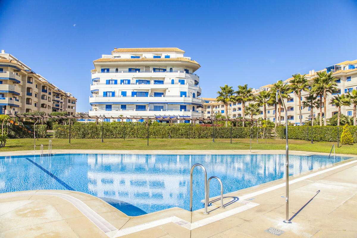 Live your Spanish Dream in this beautiful 1-bedroom apartment in the beachfront urbanisation La Nori,Spain