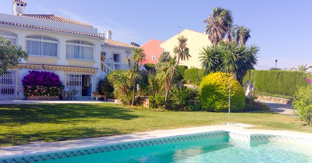 Villa for sale in western Estepona. Amazing sea views, peaceful urbanization, private pool, lush gar,Spain
