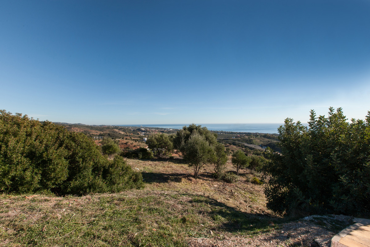 Residential Plot in Altos de los Monteros