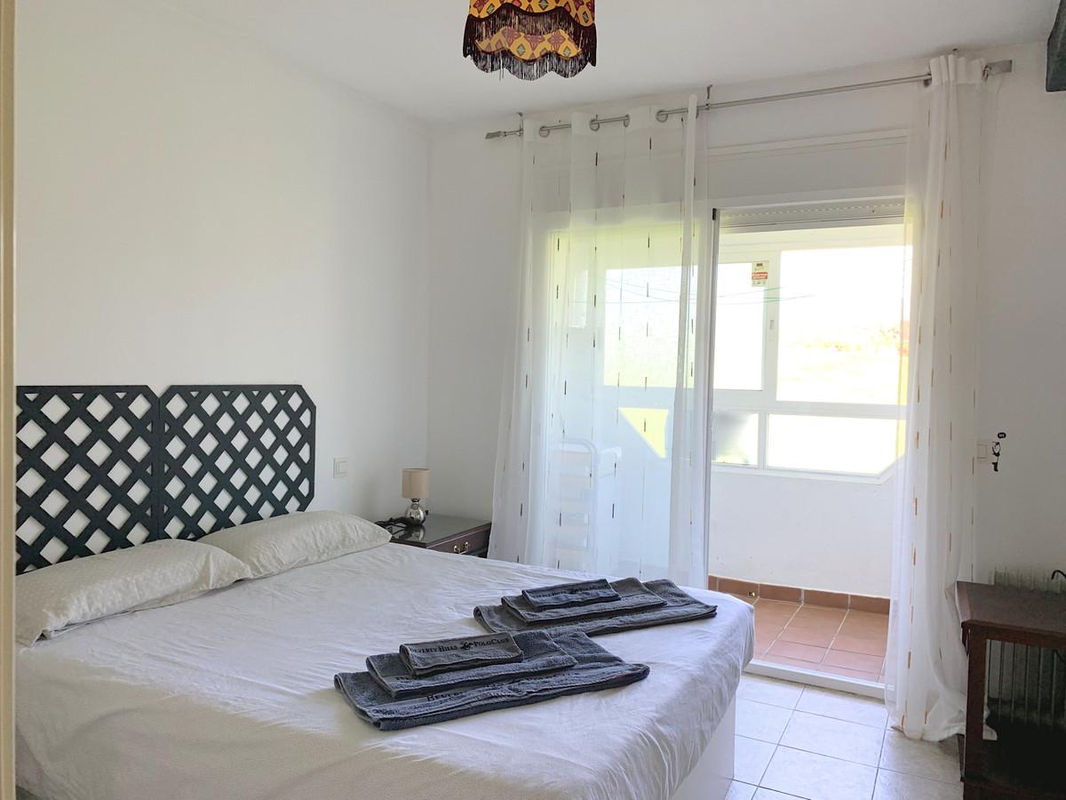 Appartement te koop in New Golden Mile R3359245