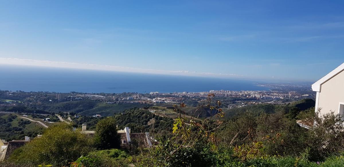 Plot 1.570 m2 with project and build permission for sale in Los Altos de los Monteros. Project to bu,Spain