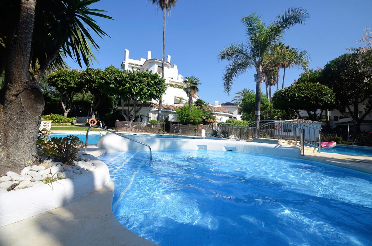 Apartment for sale in Elviria - Marbella East Apartment - TMRO-R3238402