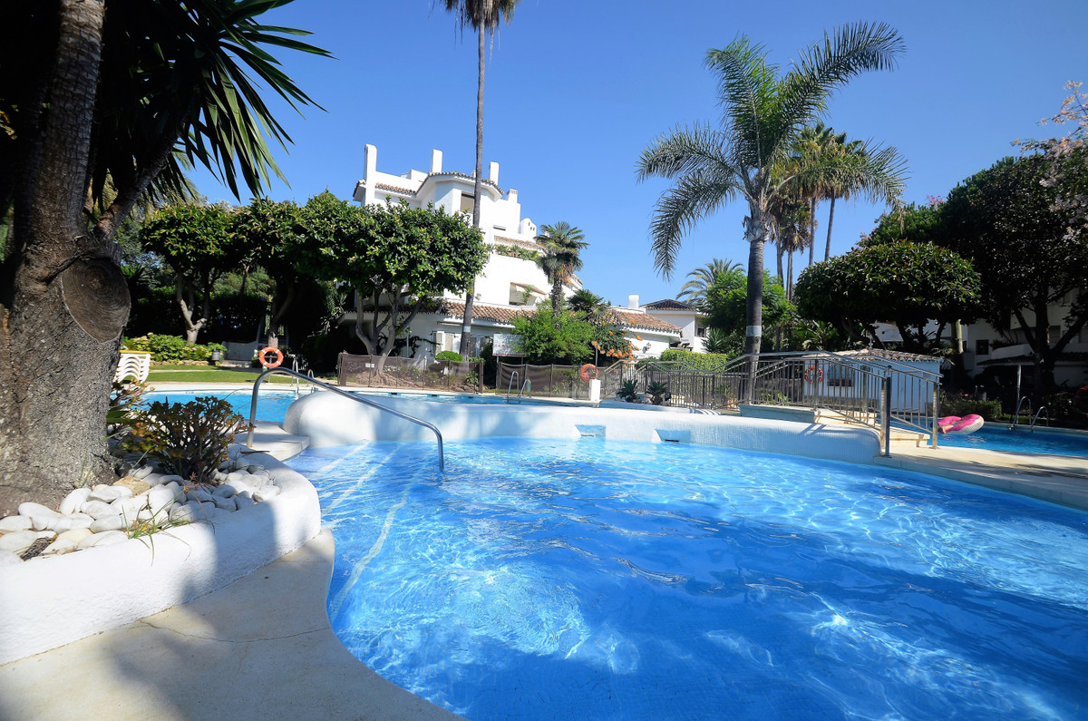 GREAT OPPORTUNITY!! Golden Beach Residential complex located at one of the best beach front line are,Spain