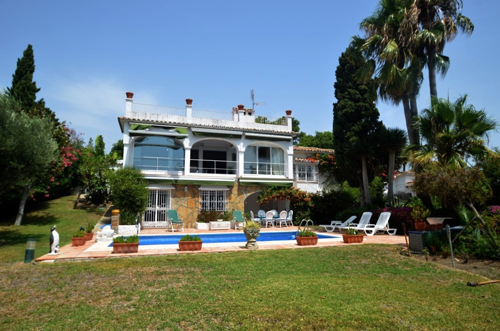 Villa for sale in Guadalmina Alta - San Pedro de Alcantara Villa - TMRO-R3233752