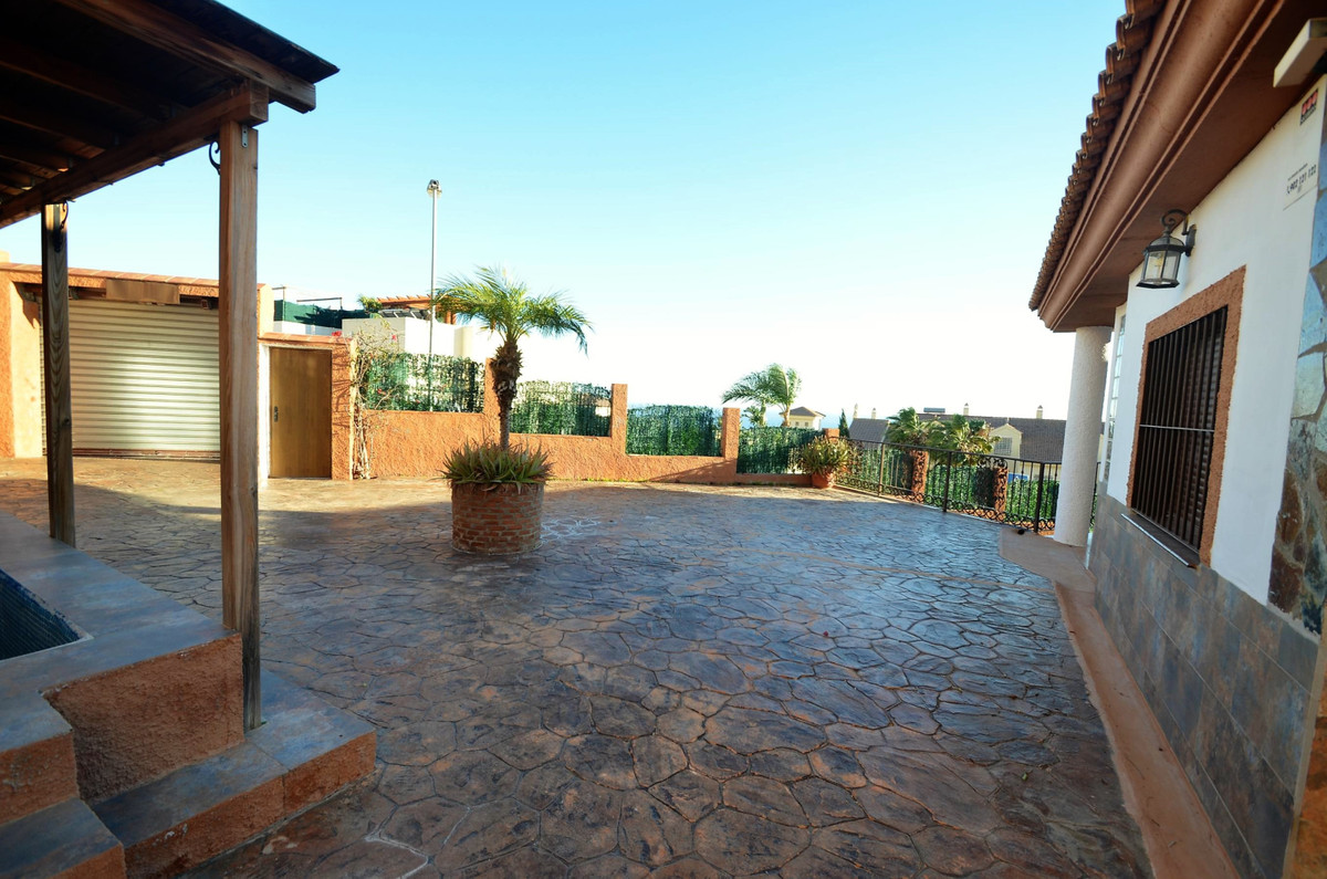 Villa con 6 Dormitorios en Venta Benalmadena
