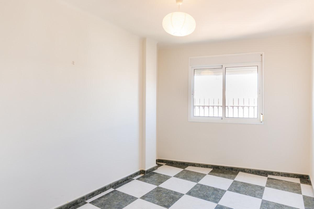 Middle Floor Apartment in Málaga R3433111