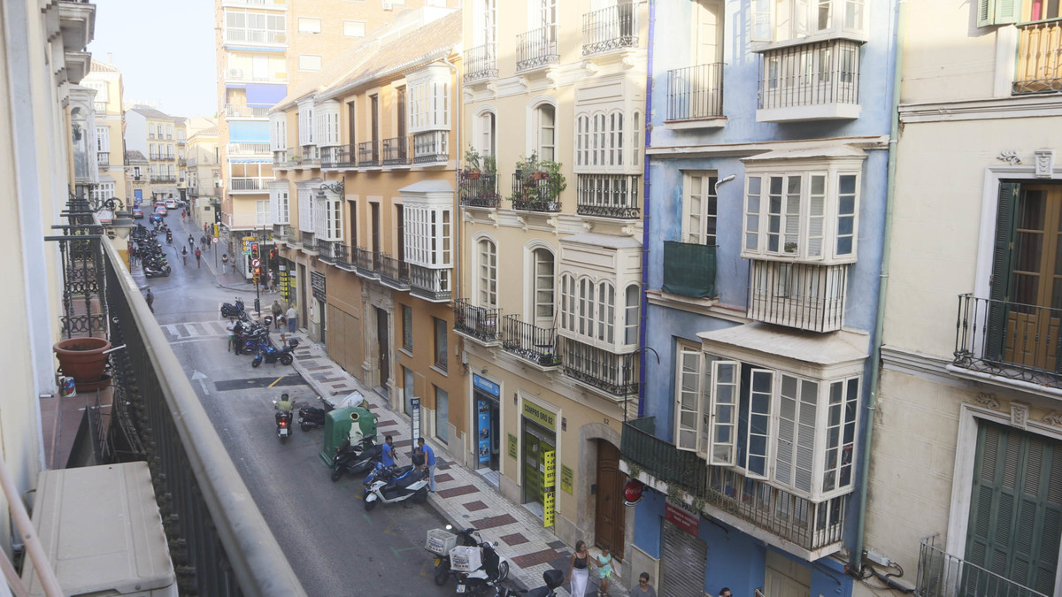 MALAGA CENTRO HISTORICO - A centrally located 2 bedroom apartment with private parking space  This 2,Spain