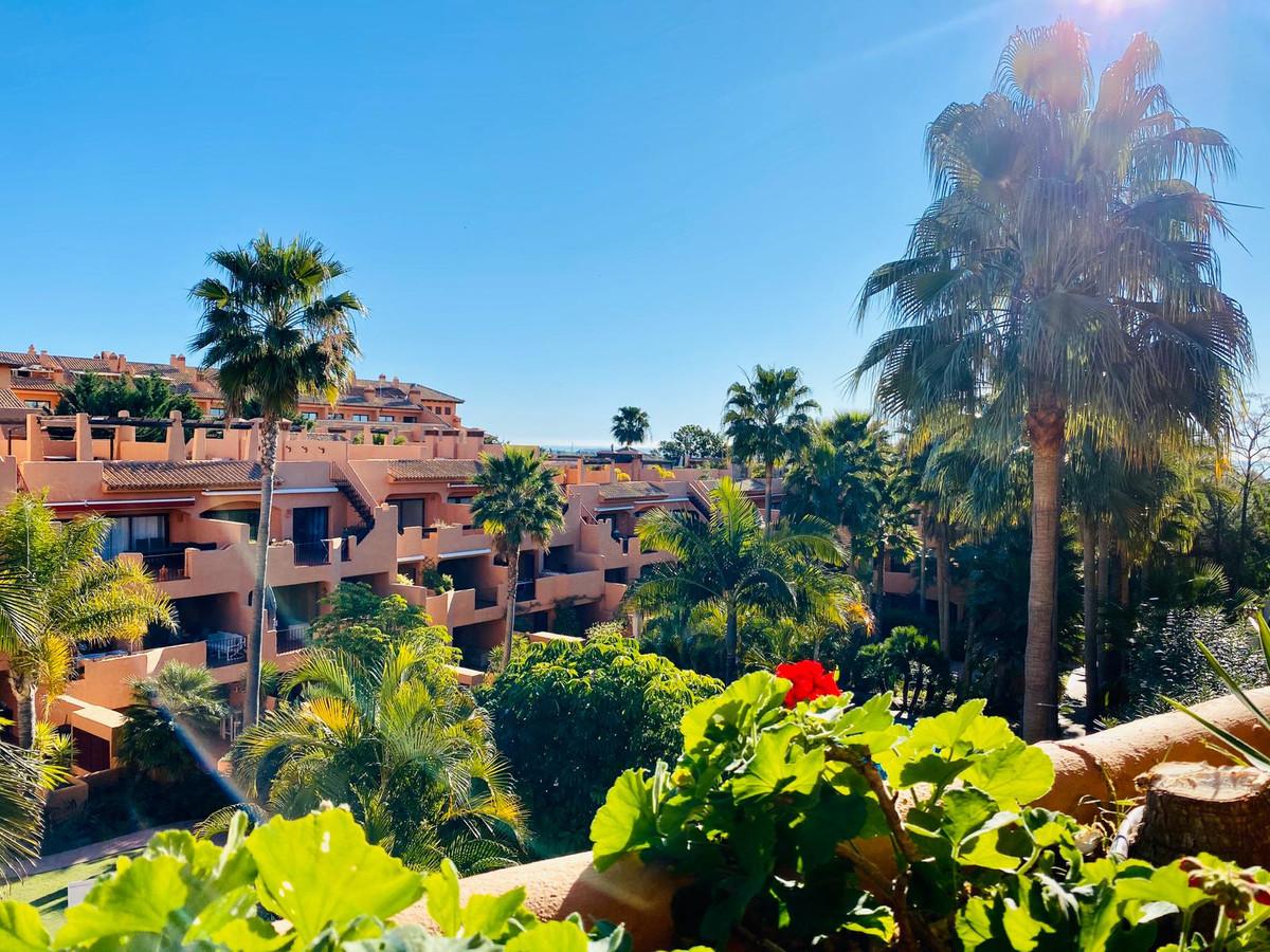 Apartamento Planta Media en venta en Bel Air, Costa del Sol
