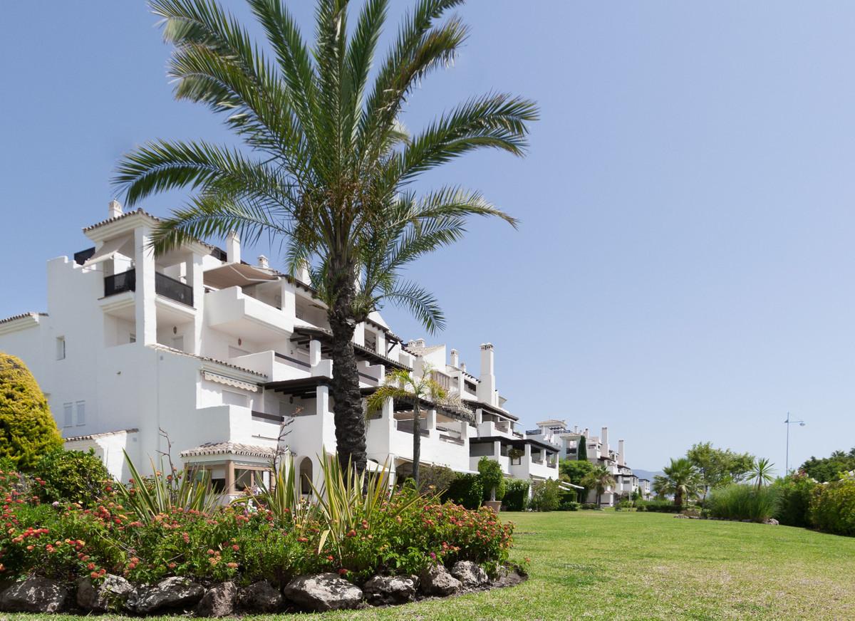 Apartment Middle Floor for sale in San Pedro de Alcántara, Costa del Sol