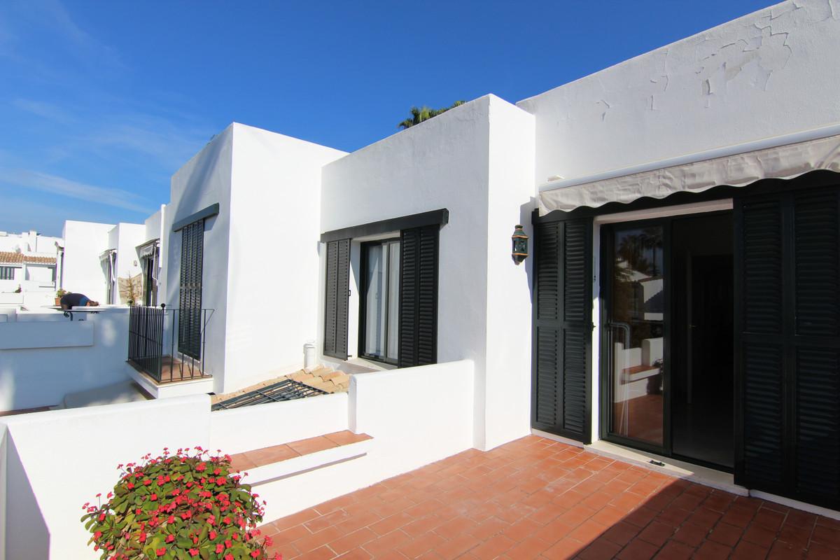 Townhouse Terraced for sale in San Pedro de Alcántara, Costa del Sol