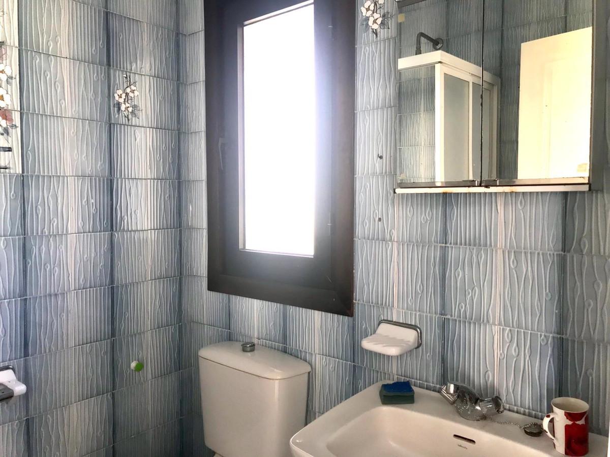 Apartment Ground Floor for sale in El Paraiso, Costa del Sol