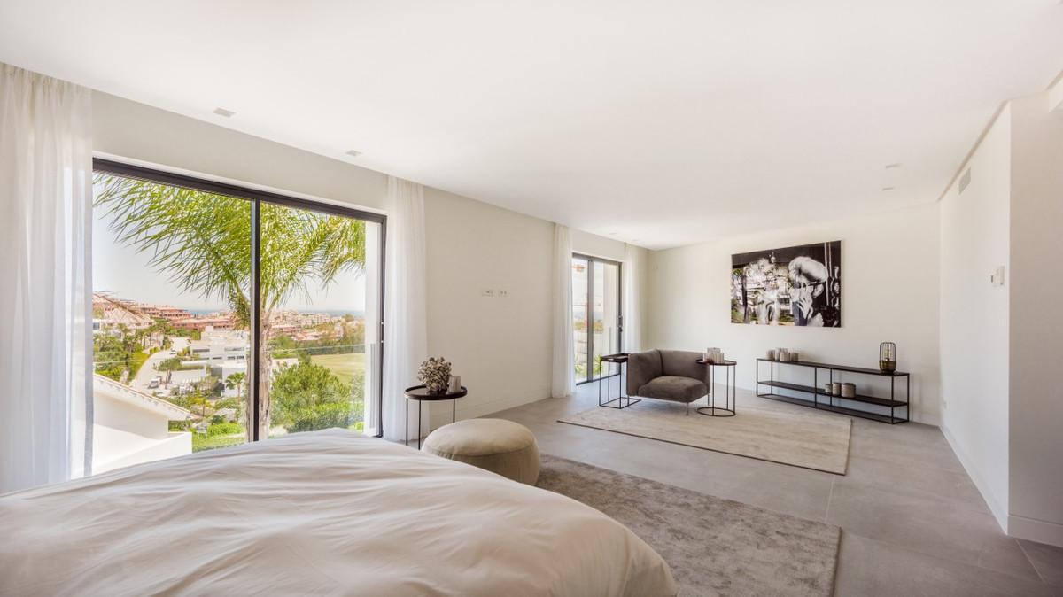 Villa Detached for sale in Benahavís, Costa del Sol
