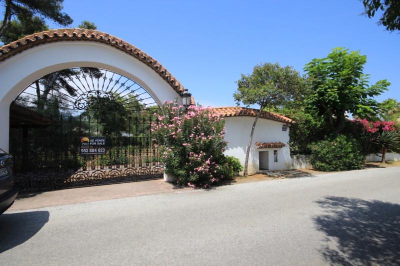 Plot  Residential  for sale   in Benamara