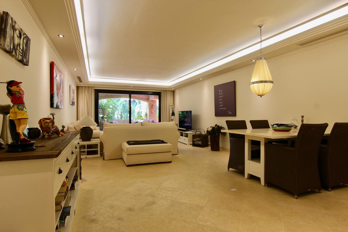 Apartment Ground Floor for sale in Guadalmina Baja, Costa del Sol