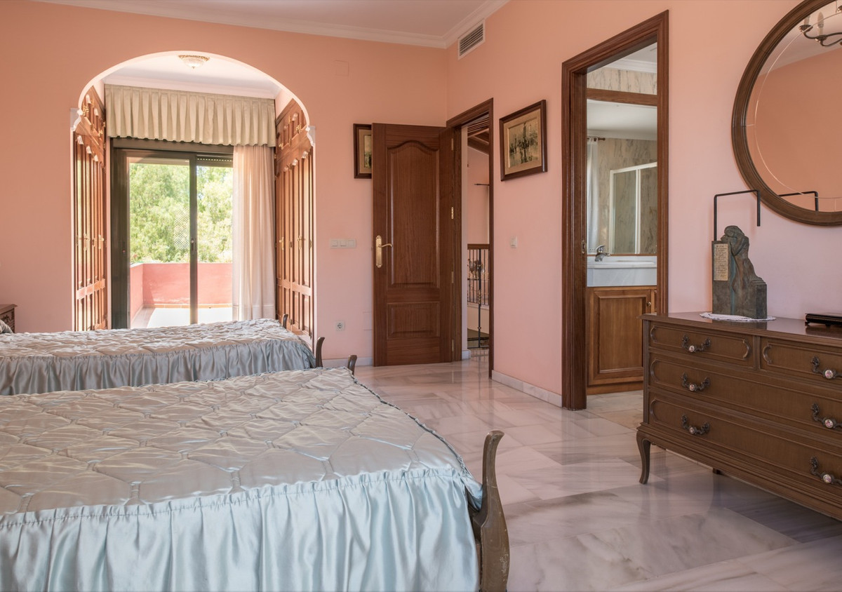 Villa Independiente en venta en Atalaya, Costa del Sol