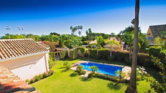 Detached Villa in Guadalmina Baja