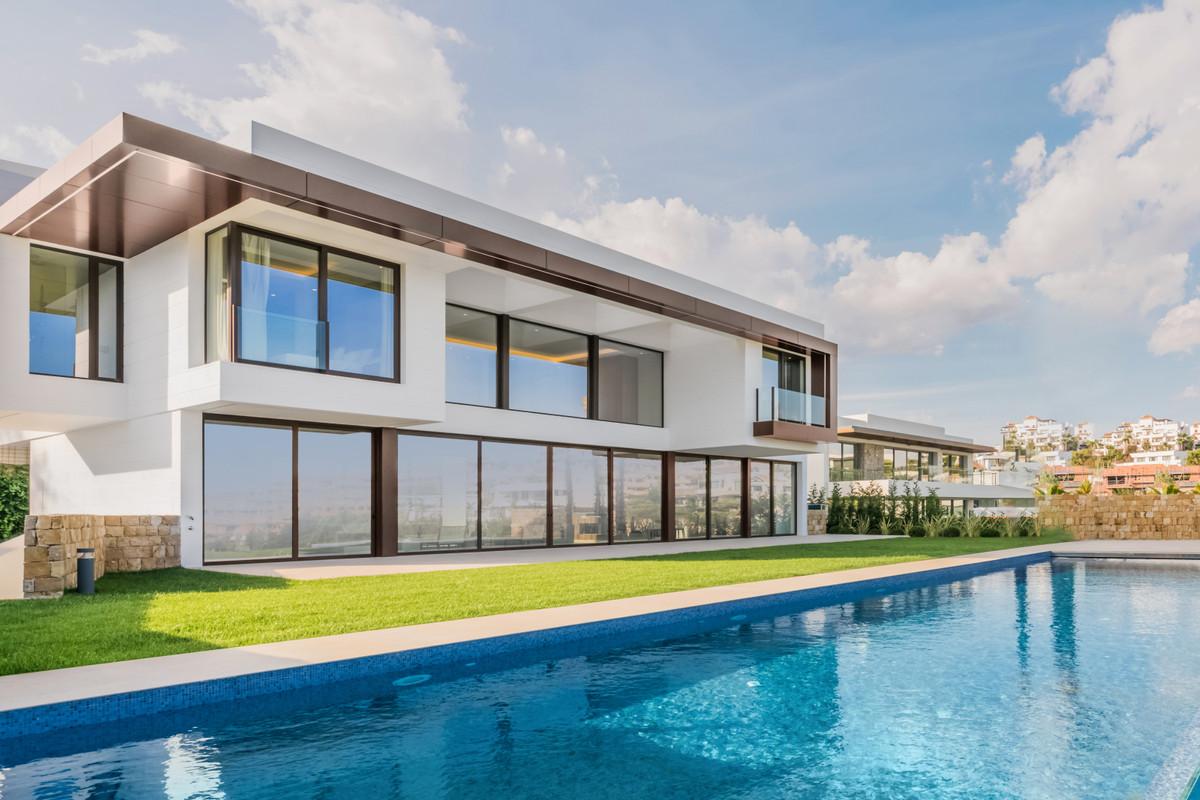 Villa, Independiente  en venta    en Benahavís