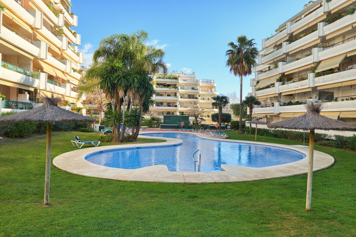 Apartment Middle Floor for sale in Guadalmina Alta, Costa del Sol