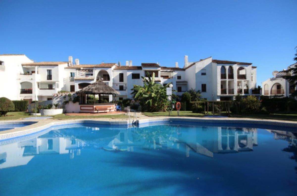 Apartment, Penthouse  for sale    in El Paraiso