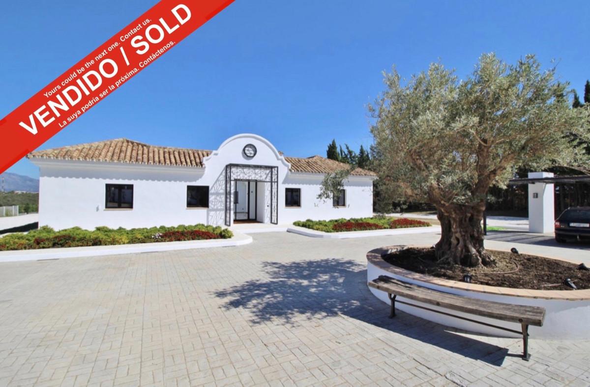 Villa, Finca  for sale    in Cancelada
