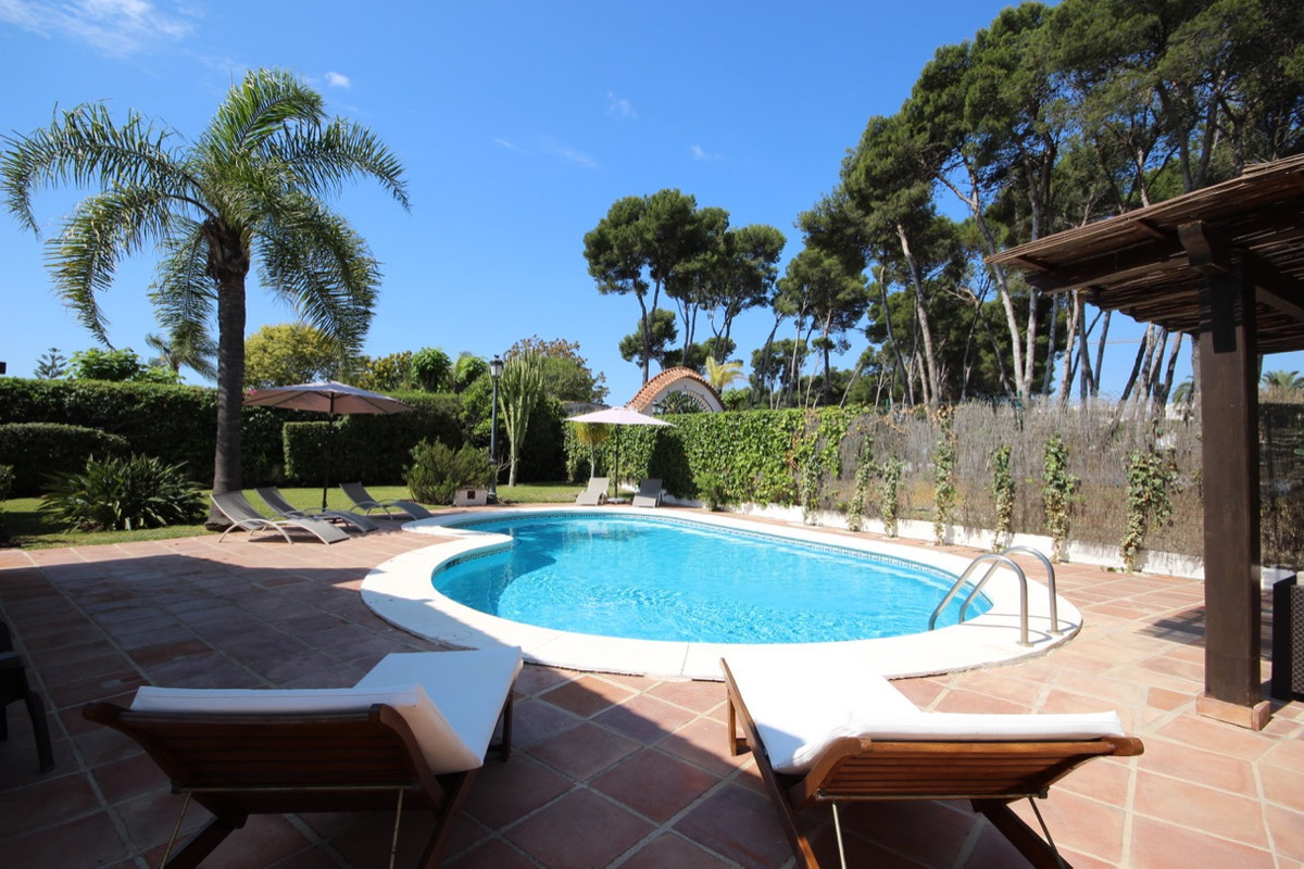 Villa, Detached  for sale    in Benamara