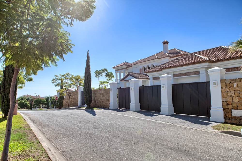 Villa Detached for sale in Los Flamingos, Costa del Sol