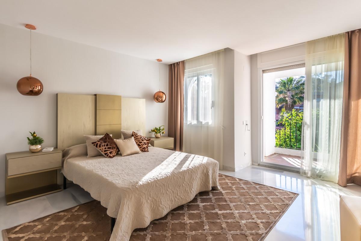 Apartment Penthouse for sale in Guadalmina Baja, Costa del Sol