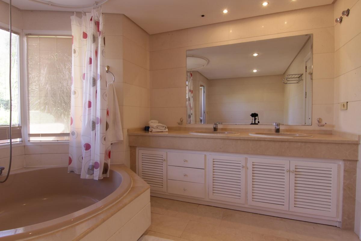 Apartment Penthouse for sale in Costalita, Costa del Sol